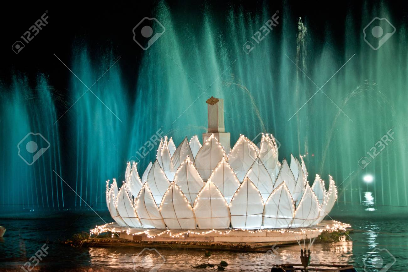 Continuing a longstanding tradition in Thailand. The tradition of Loy Krathong, one lamp or one year in Thailand. - 11389705
