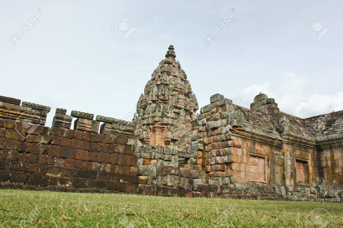 ruins is ancient , tangibly history way formerly but   T letter   , ever have the evolution very much , in rows education meditation seeks the knowledge of a person nowadays Stock Photo - 14699341