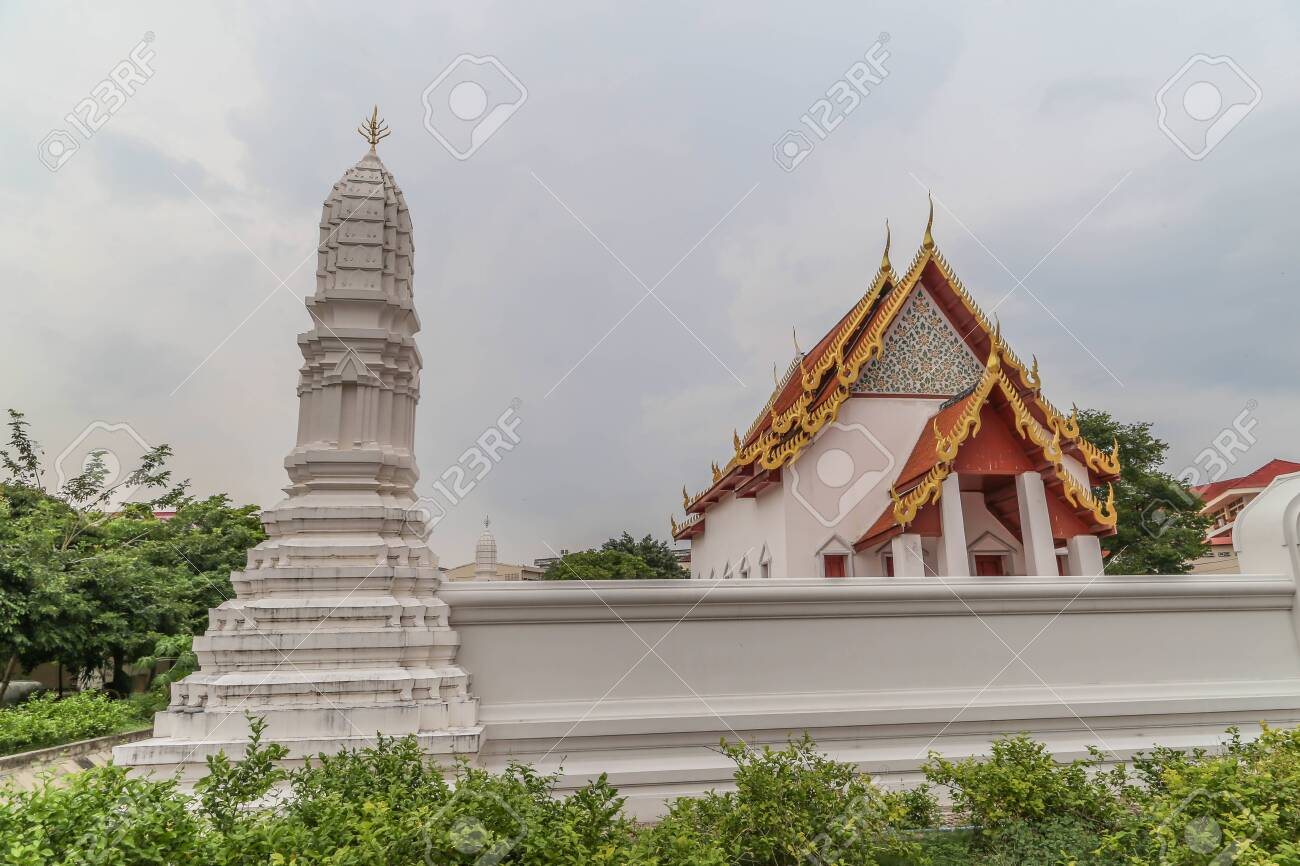 Buddha stupas, pagodas and stupas on important meaning. Respected, person, place, or object to worship. - 132304578