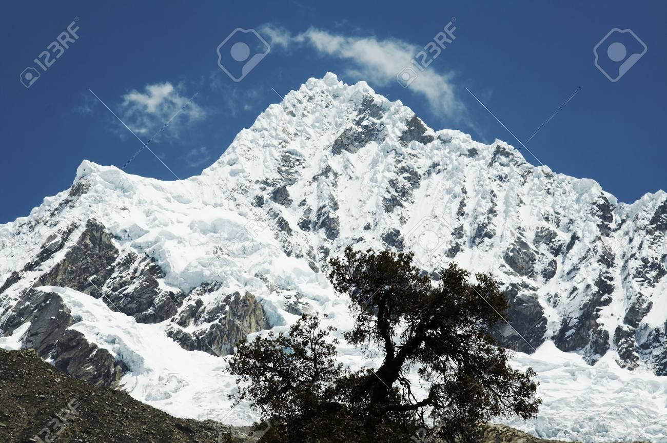 Peak Alpamayo  in Cordilleras Stock Photo - 565481
