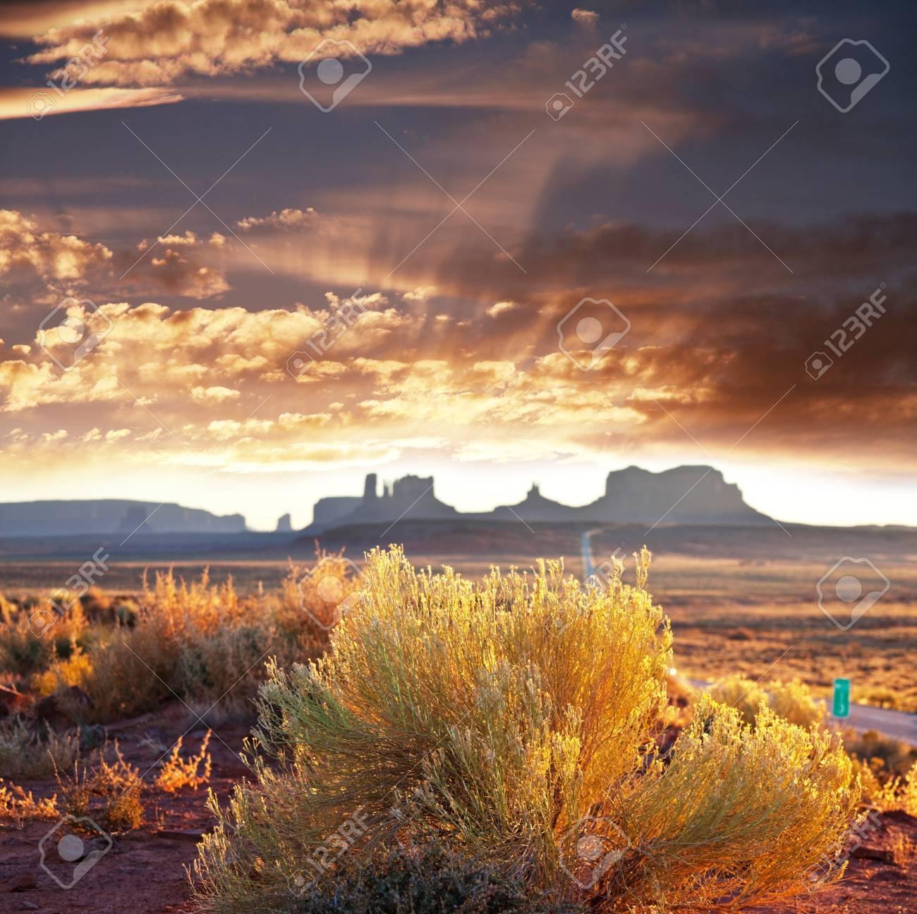Monument Valley,Utah,USA Stock Photo - 8989295