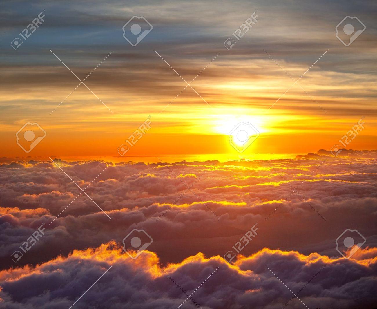Sunset scene on Haleakala,Hawaii Stock Photo - 9589873