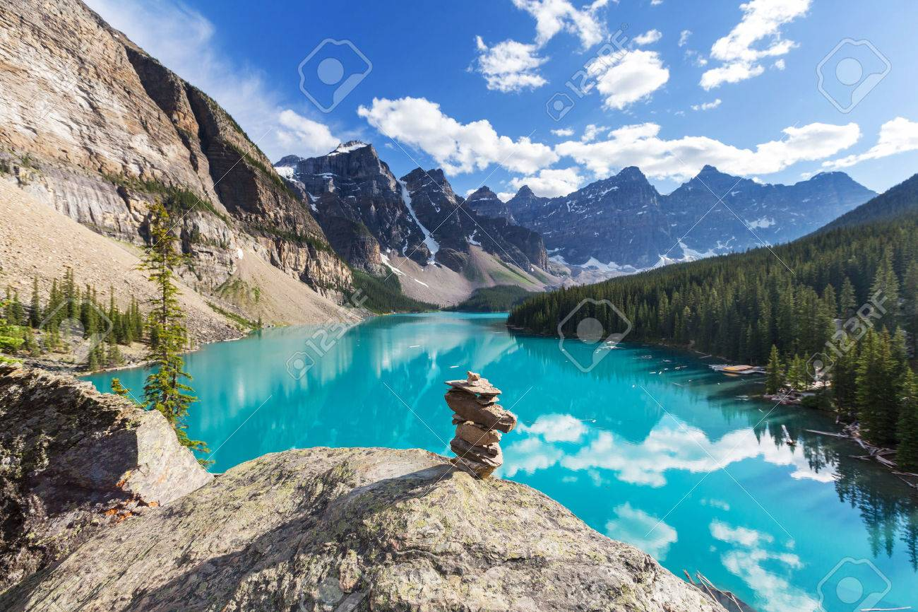 Beautiful Moraine lake in Banff National park, Canada Stock Photo - 44231383