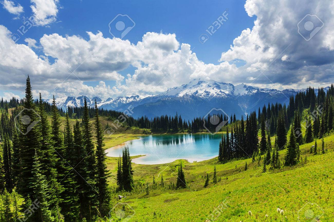 Image lake and Glacier Peak in Washington, USA Stock Photo - 44500797