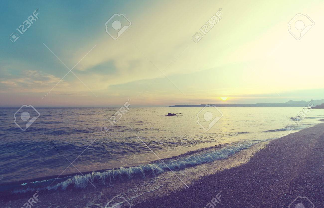 Scenic sunset at the sea Stock Photo - 45265076