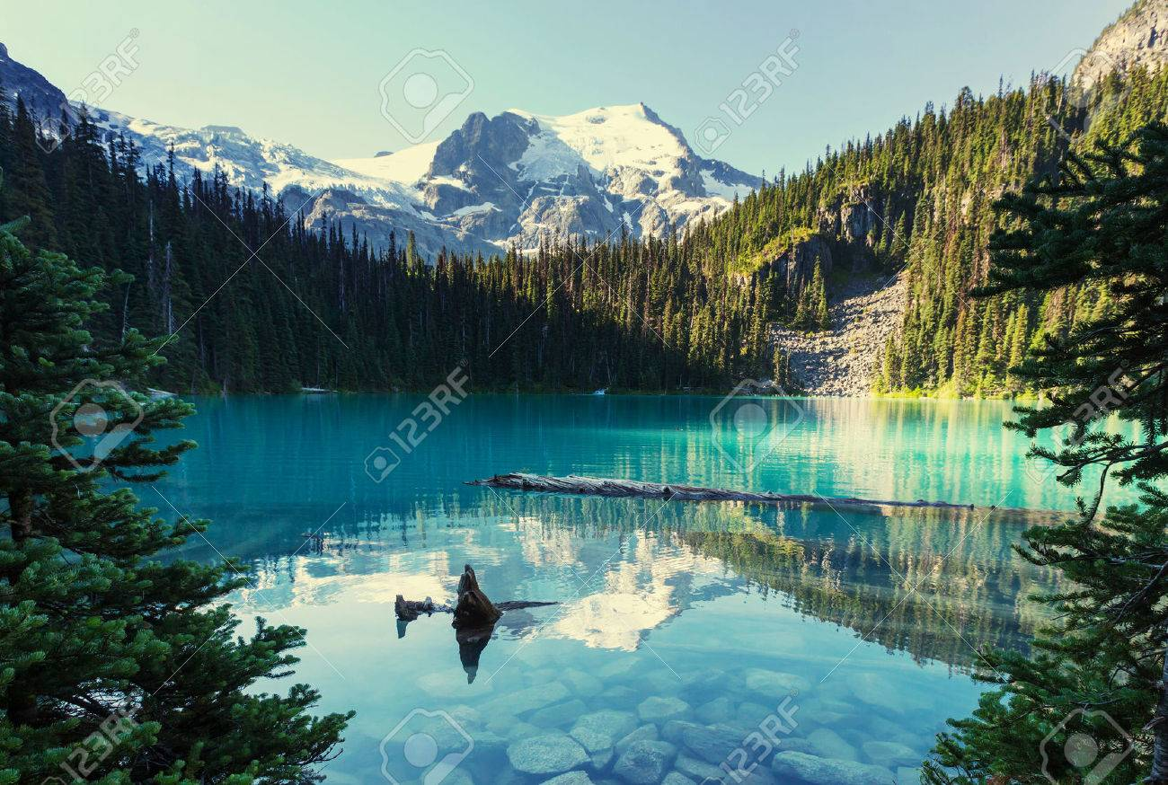 Beautiful Joffre lake in Canada Stock Photo - 48602811