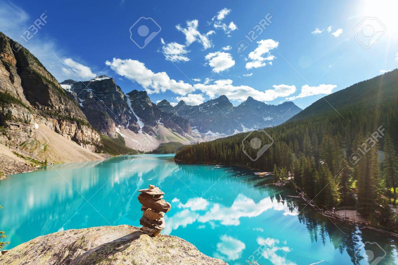 Beautiful Moraine lake in Banff National park, Canada Stock Photo - 49899091