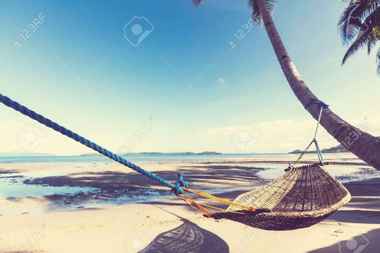 Serenity tropical beach Standard-Bild - 75020208