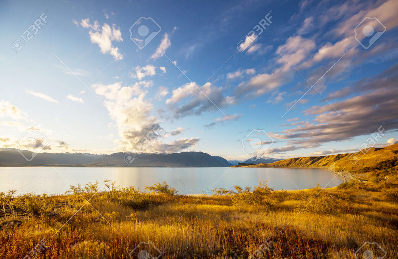 Amazing natural landscapes in New Zealand. Mountains lake. - 169656148