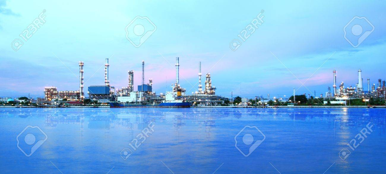 Refinery plant area at twilight panorama - 20225585