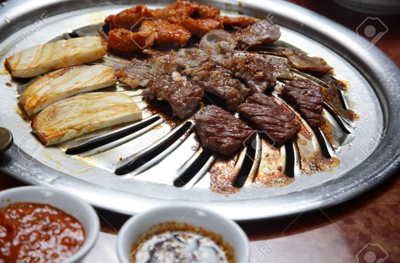 Korean cuisine barbecue grill - 21688402