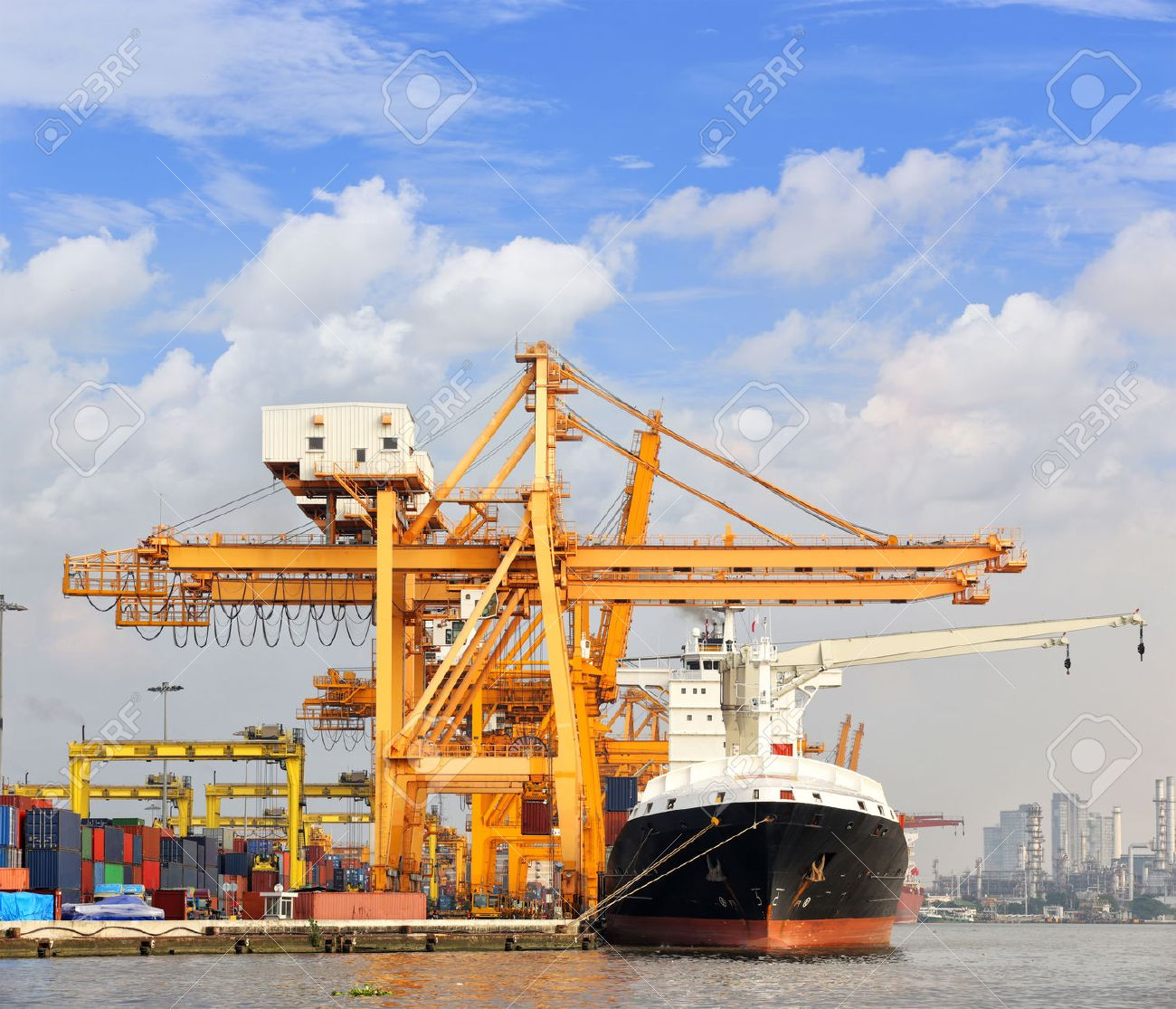 Cargo ship at the port with blue sky - 23283478