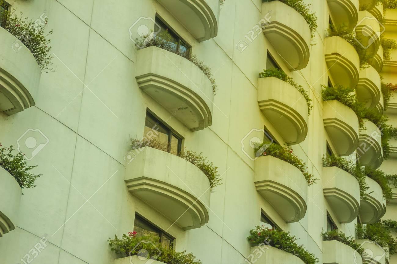 Patrón De Diseño De Arquitectura Hermosa De Terraza Muchos Windows Y Balcón En Hotel De Edificio Residencial Hotel Apartamento Balcón Textura