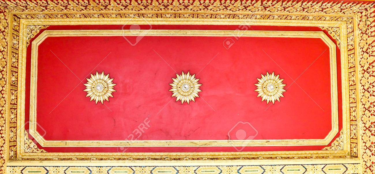 The ceiling of a Thai temple,thailand Stock Photo - 13315131