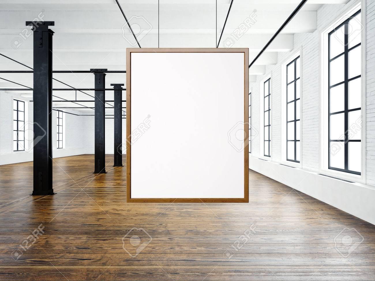 Foto Von Leeren Interieur Im Modernen Loft-Gebäude. Leere Weiße ...