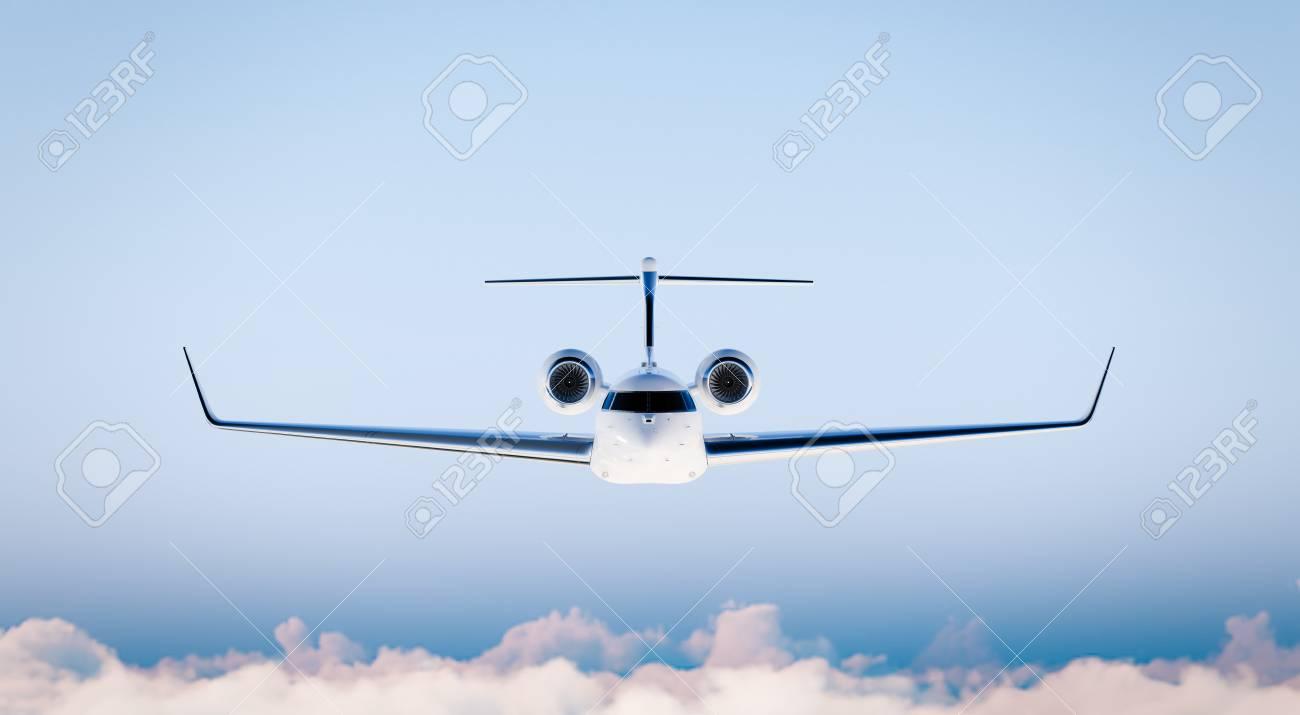Photo White Matte Luxury Générique Conception Avion Privé Modèle En Bleu Skymockup Isolé Sur Brouillé Backgroundbusiness Voyage Image Vue De