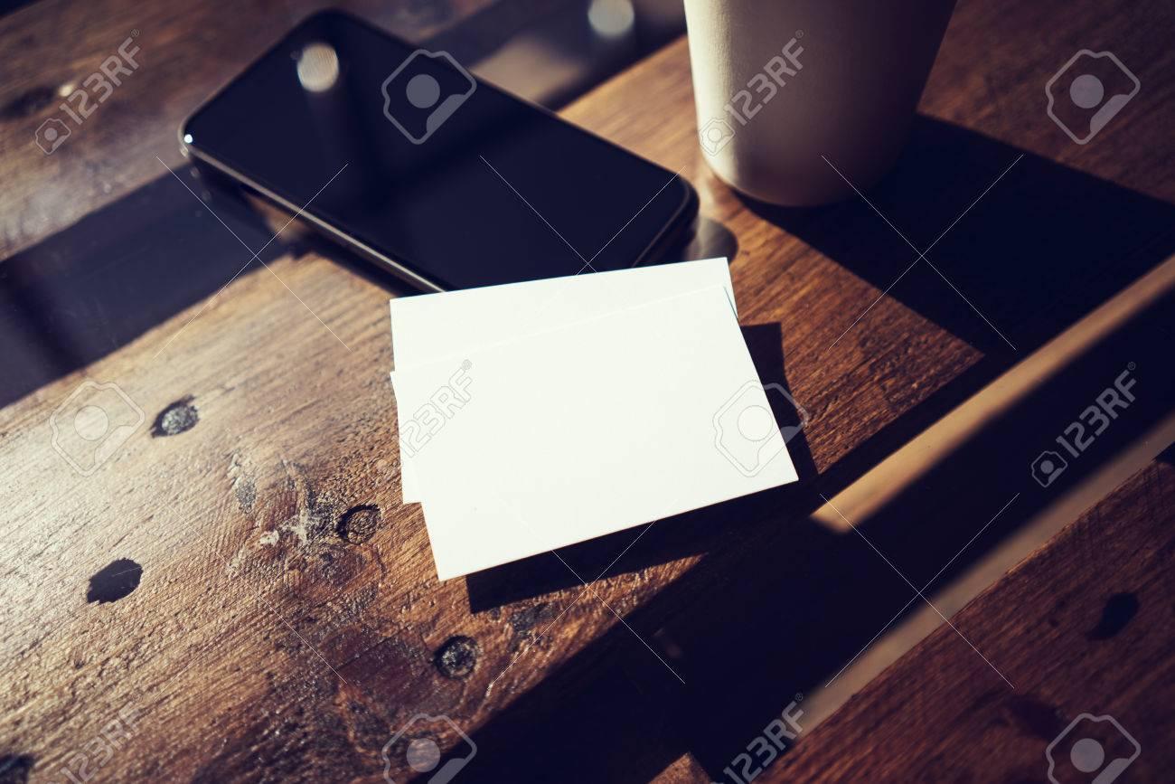 Blanc Carte De Visite MockupPhone Table En Bois Texture A