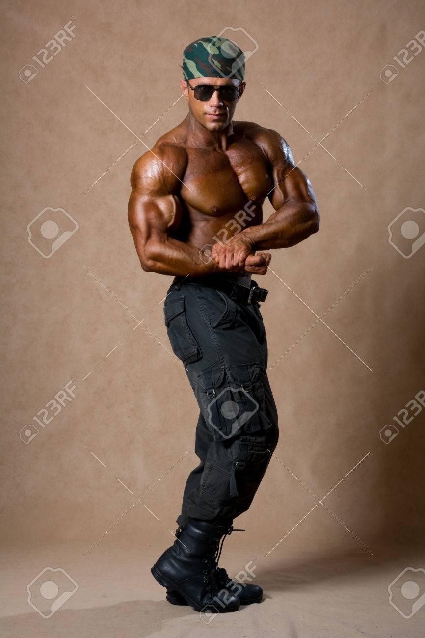 Смотреть на мускулистых парней 15 фотография
