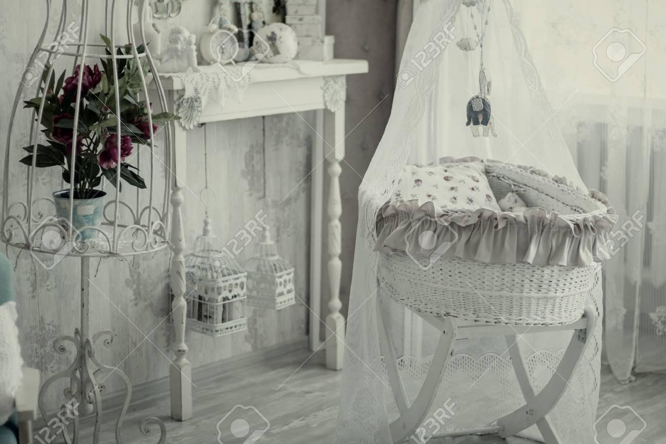 Chambre Interieure Avec Un Lit Bebe Dans Un Style Retro Pepiniere Interieure Vintage