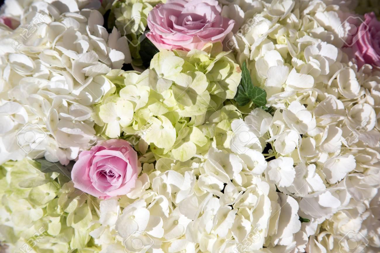 Fleurs à Lextérieur Un Lieu Fleurs De Mariage Salle De Mariage