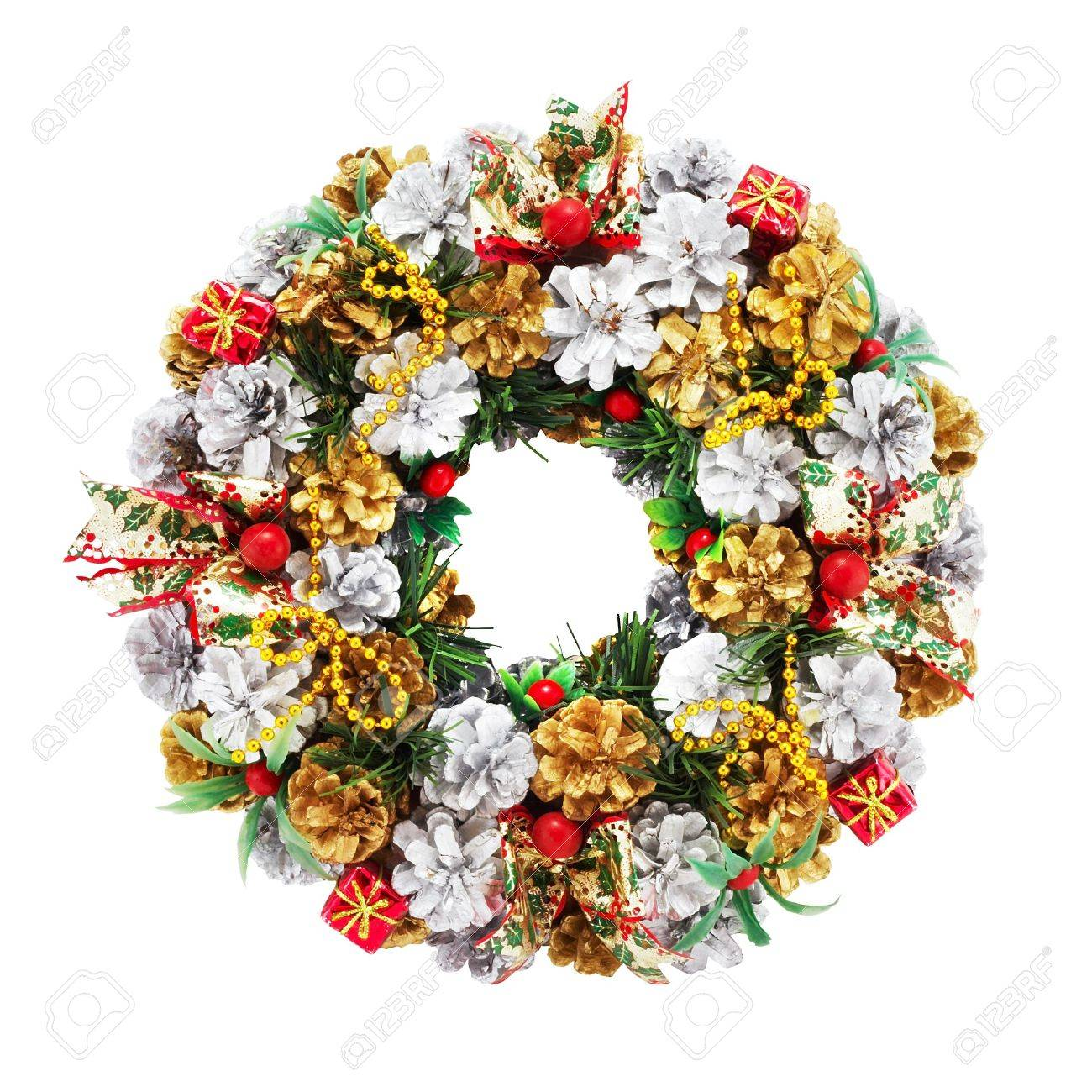holiday wreath on a white background with clipping path for designers - 933621