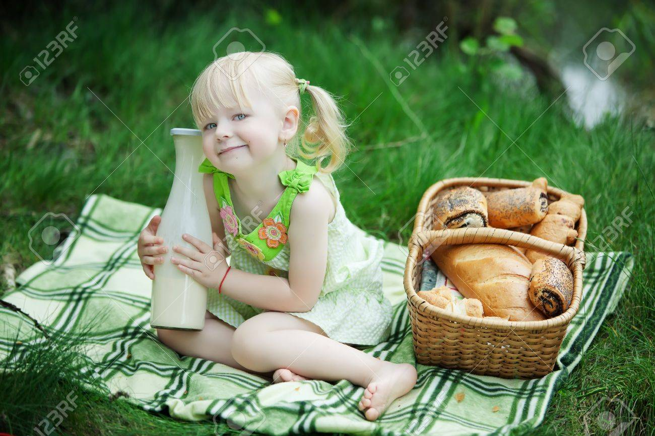 Фото девушки с булочками
