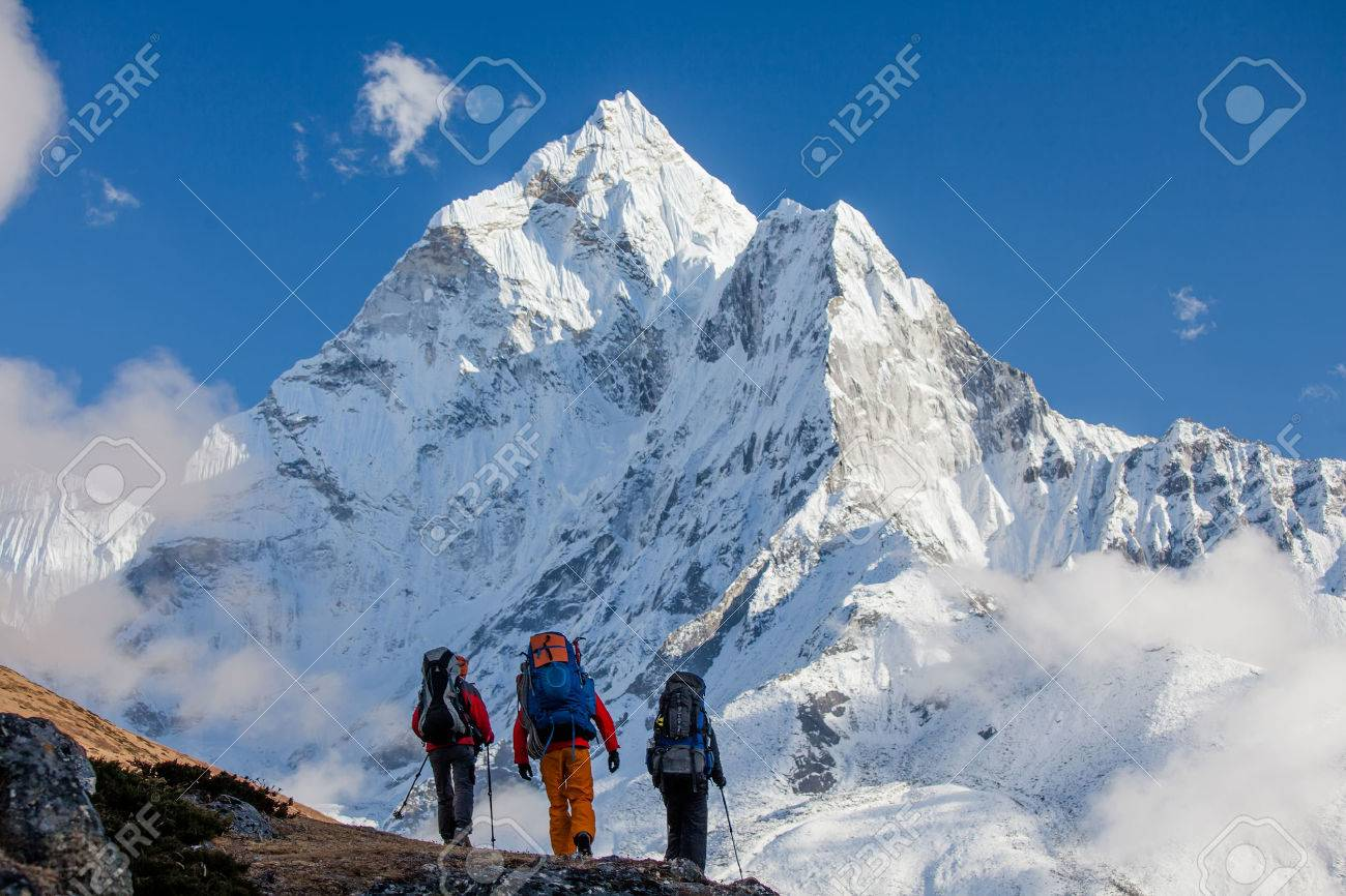 Hiking in Himalaya mountains - 29523788