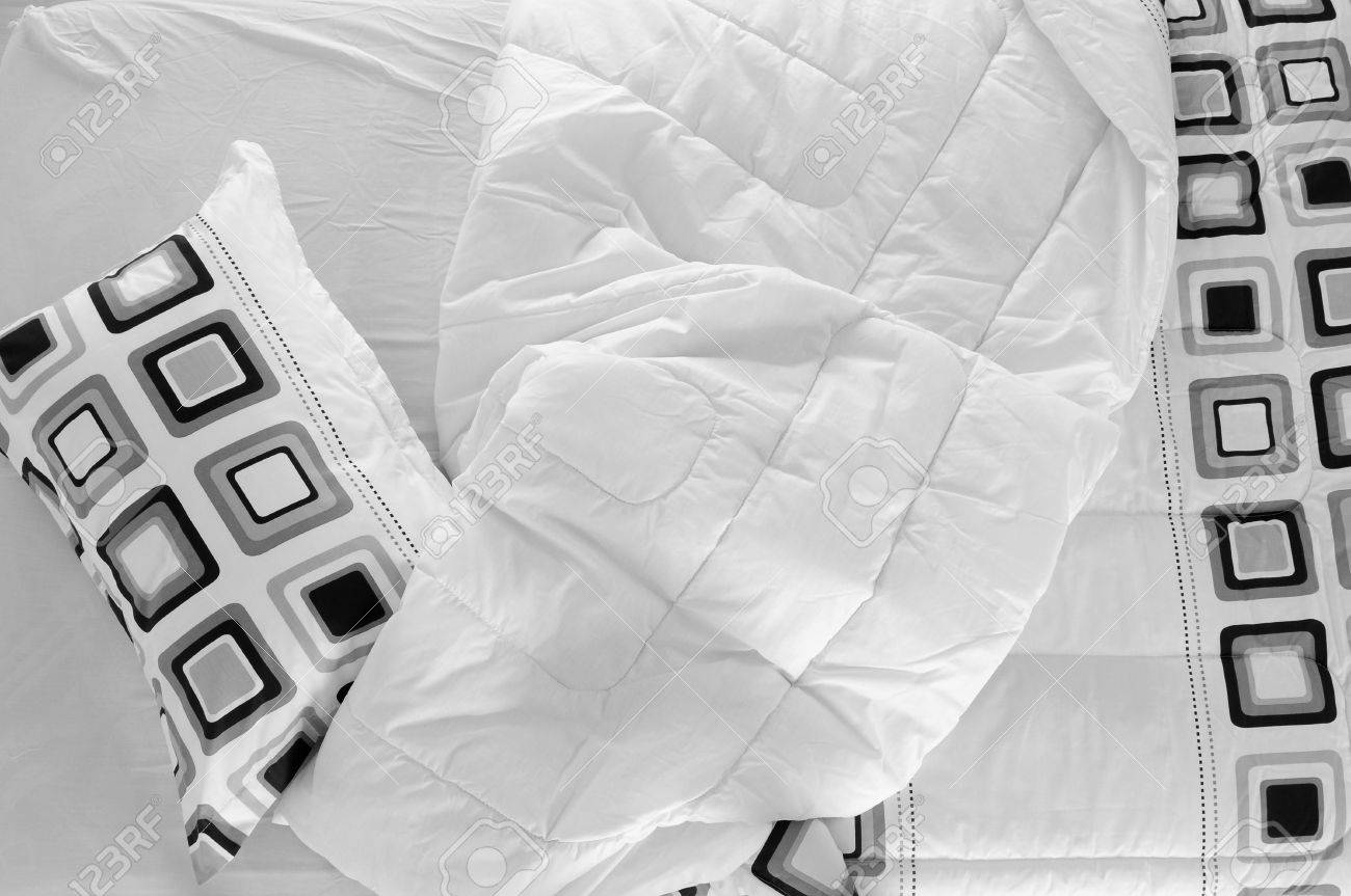 Messy bed. Stock Photo - 7615326