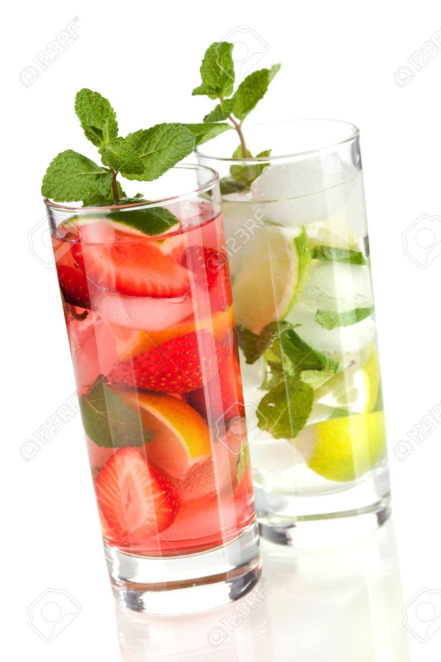 Cocktail collection: Strawberry and classic mojito isolated on white background Stock Photo - 6111089