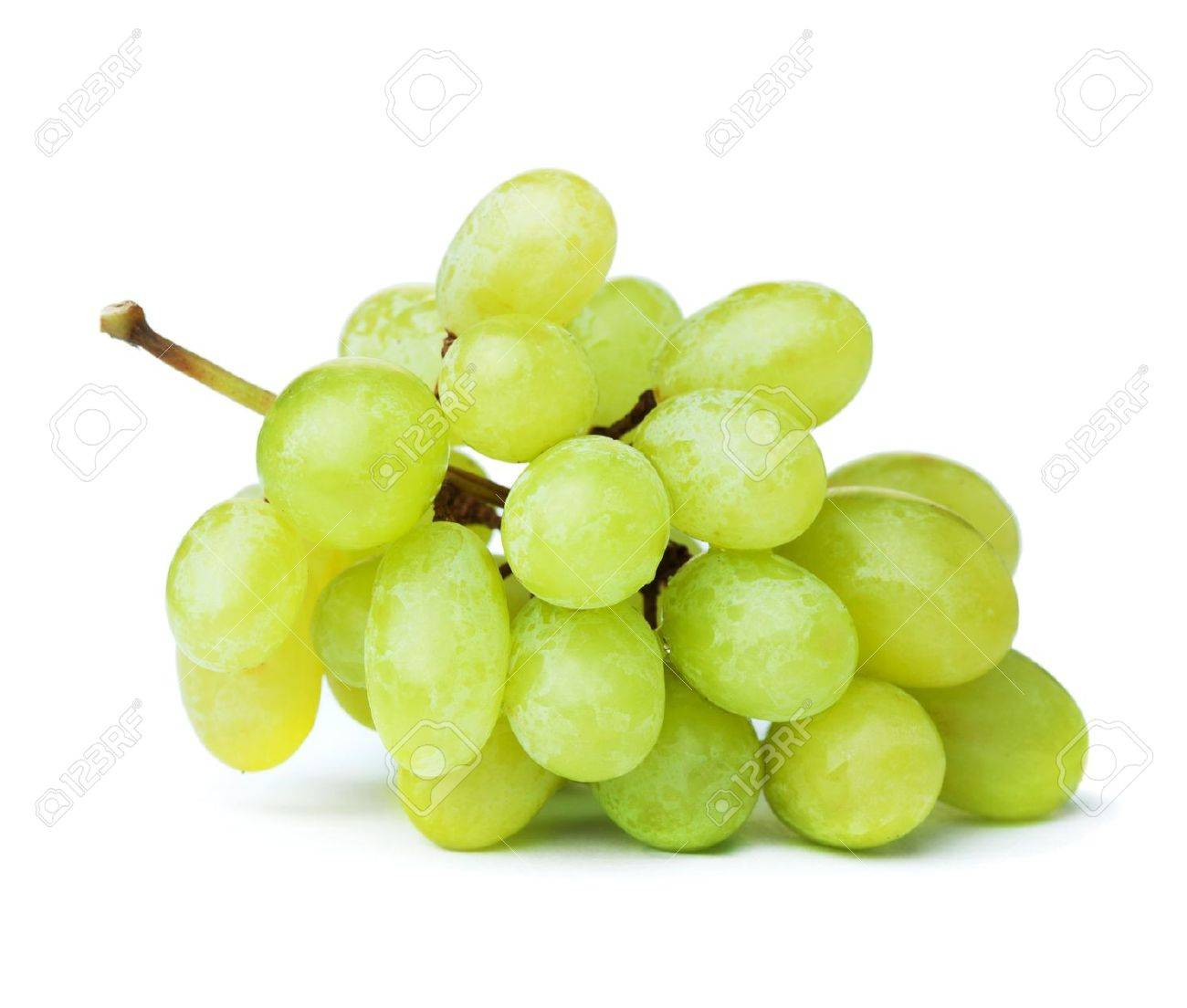 Fresh green grapes. Isolated on white - 7875889