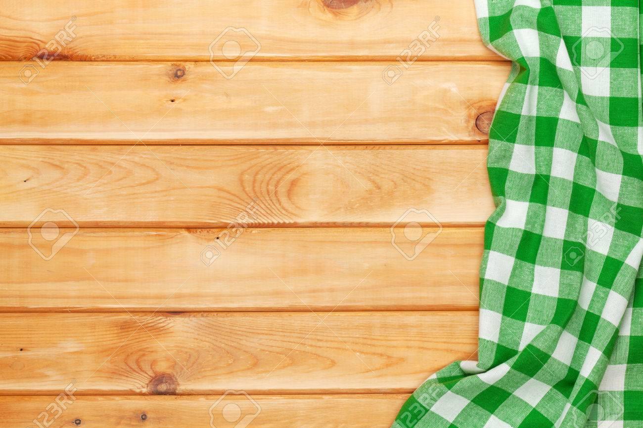 Asciugamano Verde Sul Tavolo Di Cucina In Legno. Vista Da Sopra ...