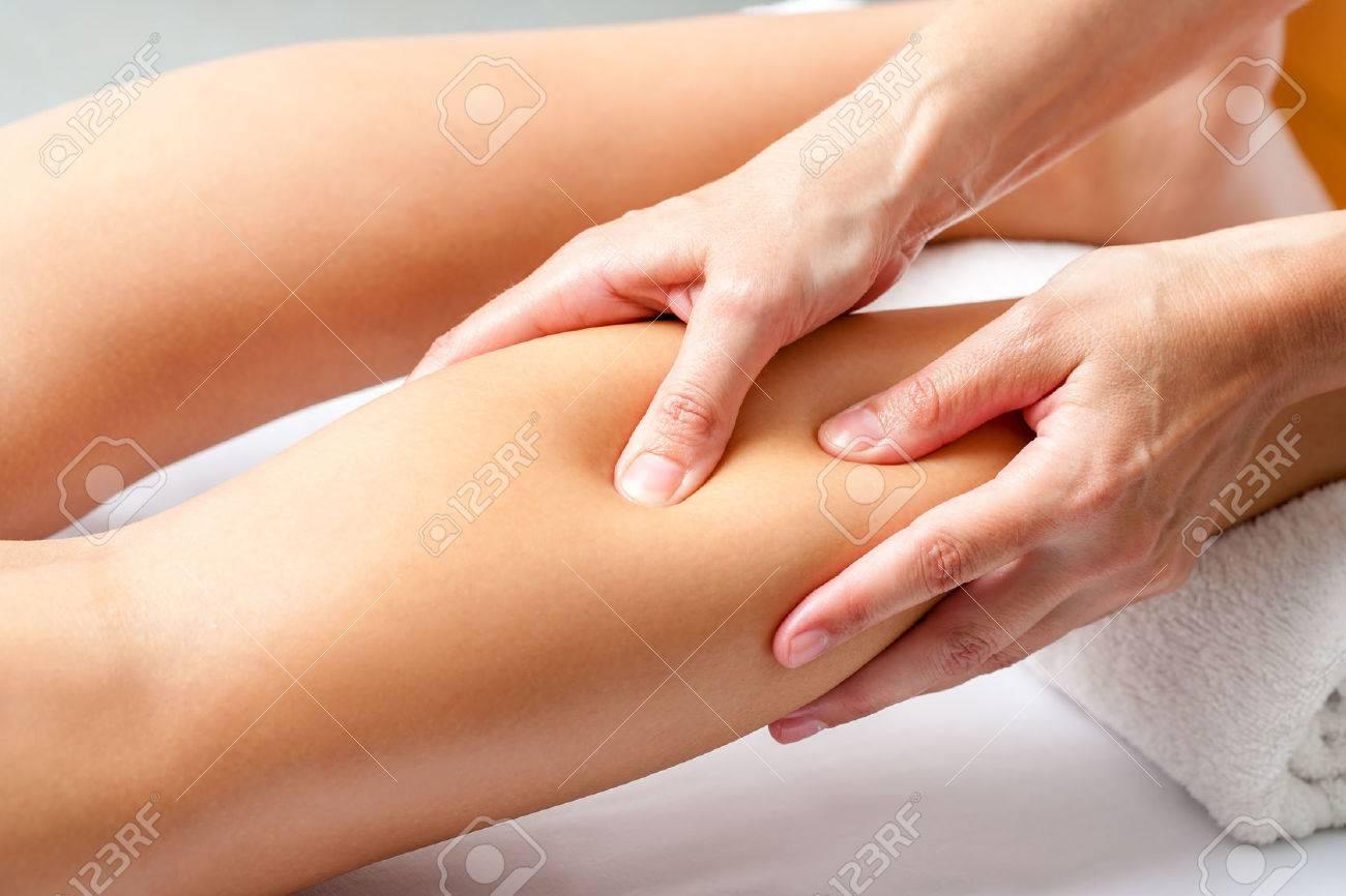 Makro Nahaufnahme Von Hände Anwendung Von Druck Mit Den Fingern Auf ...