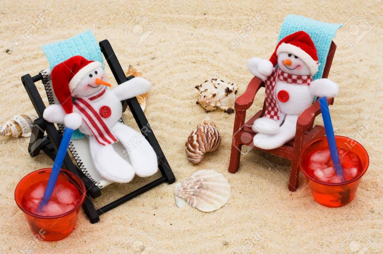 Vos Un Vacances Sur Chaise Fond Une SableSe D'hiver Avec Des Détendre Pendant Neige Longue Bonhommes De PiuTOkXZ
