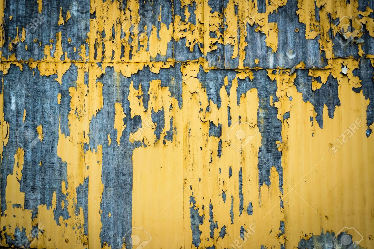 Vieux Mur Rouillé Avec La Peinture Qui Se Décolle