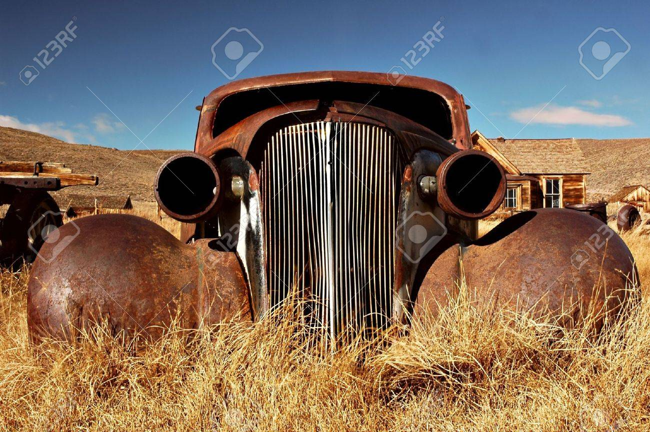 Car abandoned in the 1930's in the ghost town of Bodie, California Stock Photo - 612801