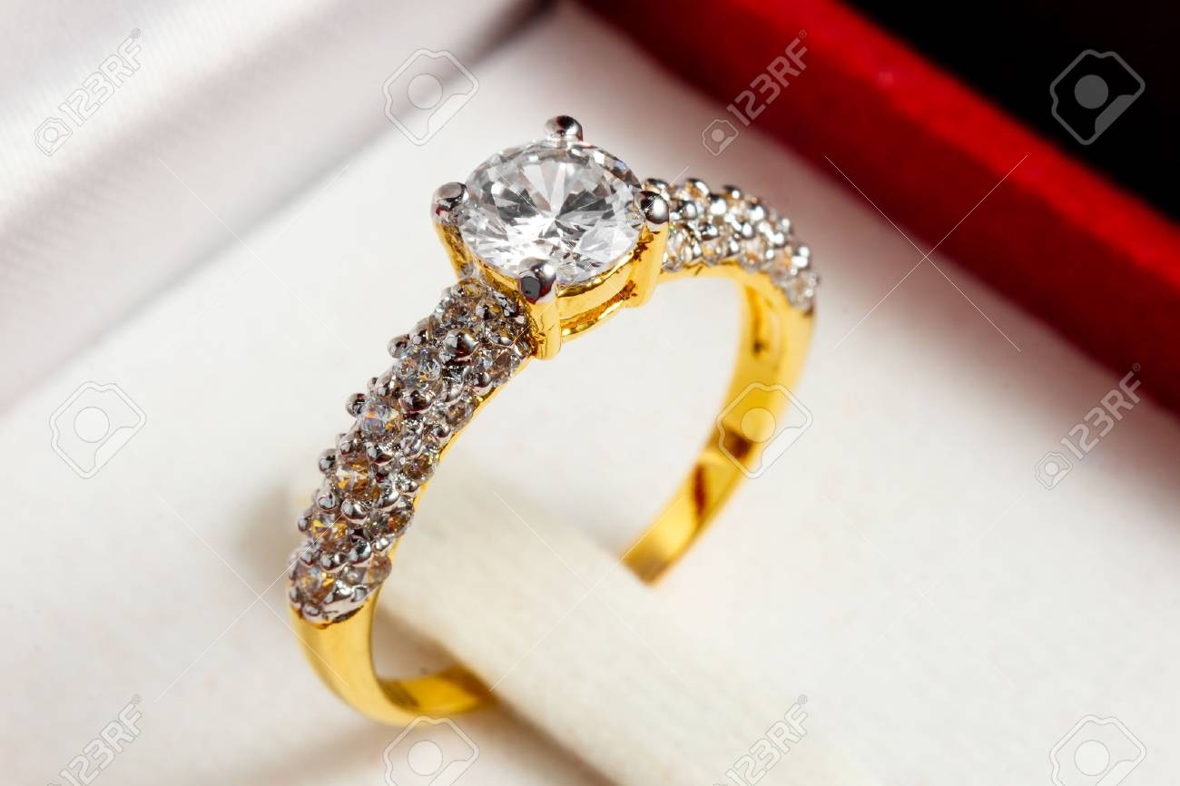 Close Up Gold Diamond Ring In Red Box Stock Photo 71274038: Red Wedding Ring Box At Reisefeber.org