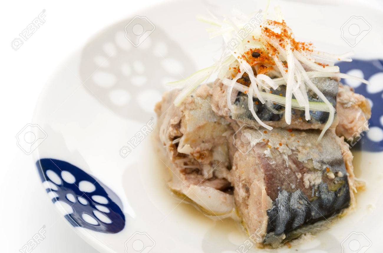canned mackerel - 73084828