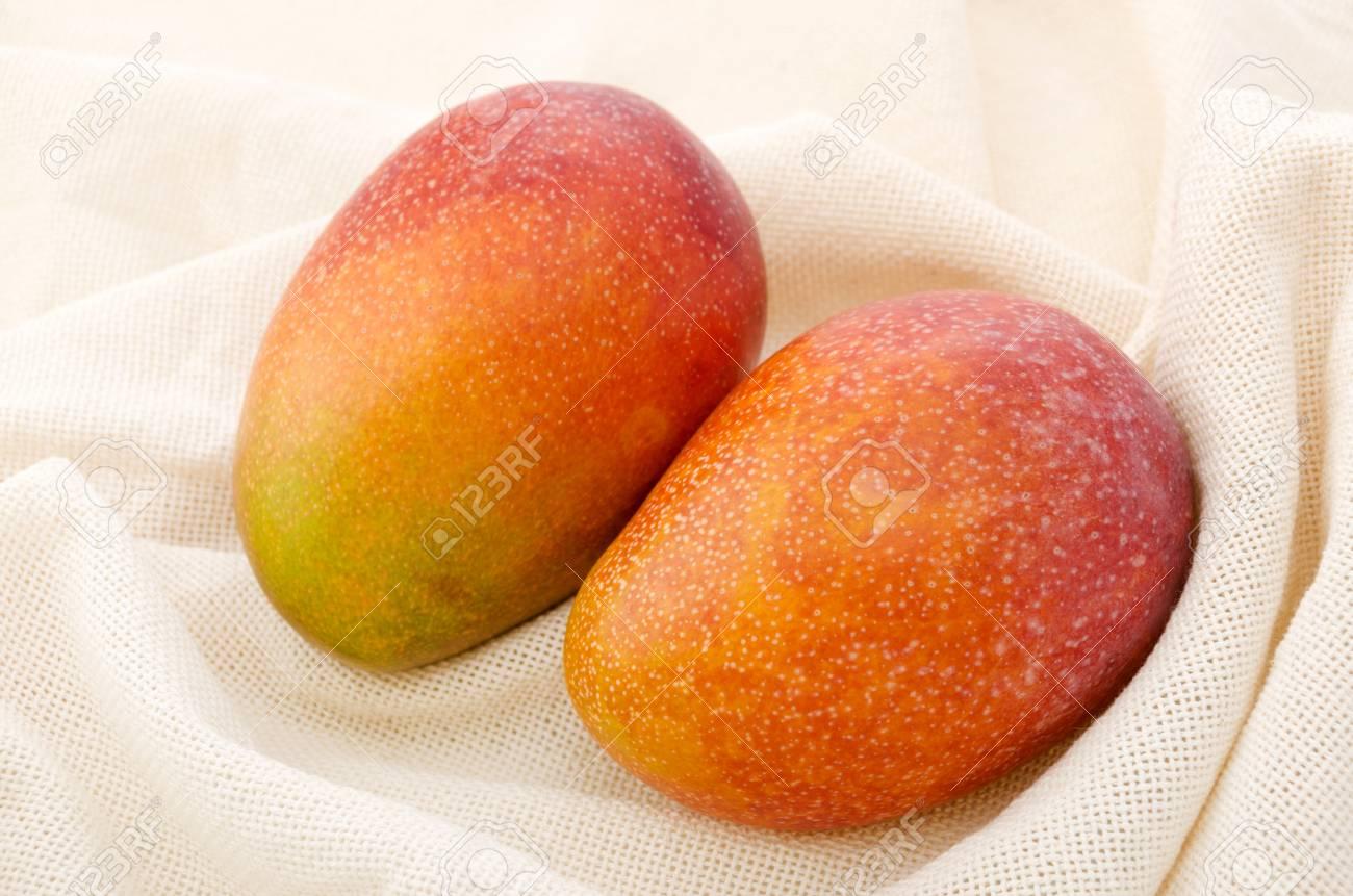 Mangoes - 84493424
