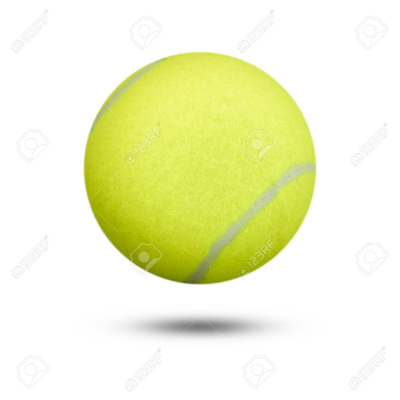 7de13a7d7f007 Balle de tennis sur fond blanc balle de tennis isolée. balle de tennis de  couleur