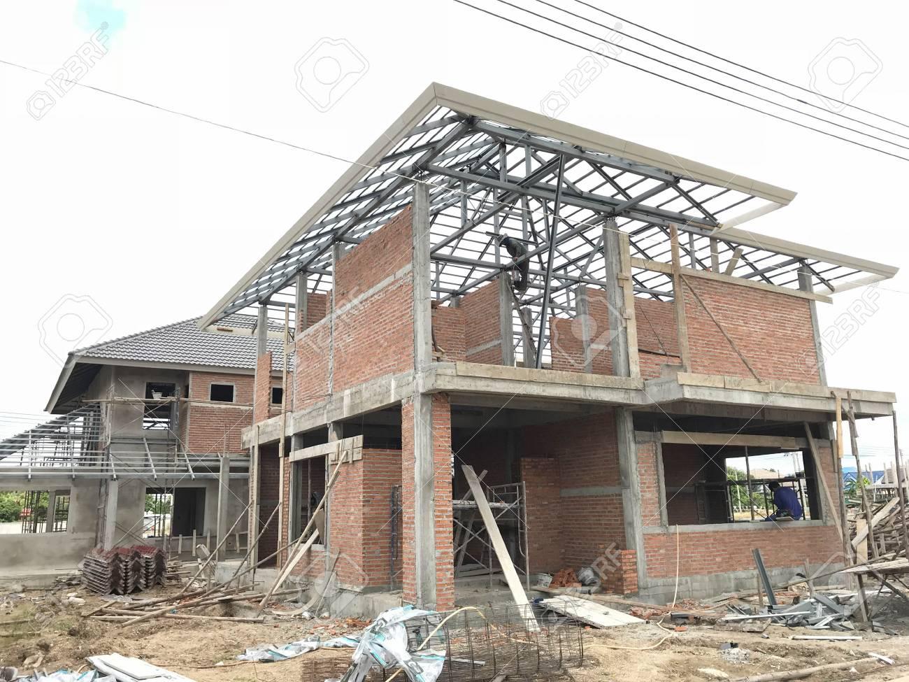 Captivating Baustelle Mit Neuen Häusern Im Bau. Standard Bild   88571213