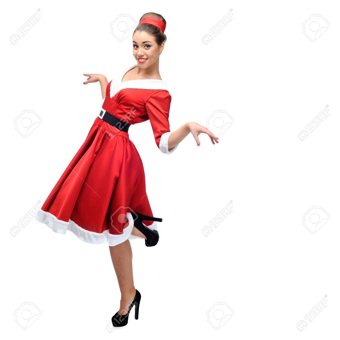 Vintage Kleding.Vrolijke Jonge Blanke Vrouw In Rode Vintage Kleding Dansen