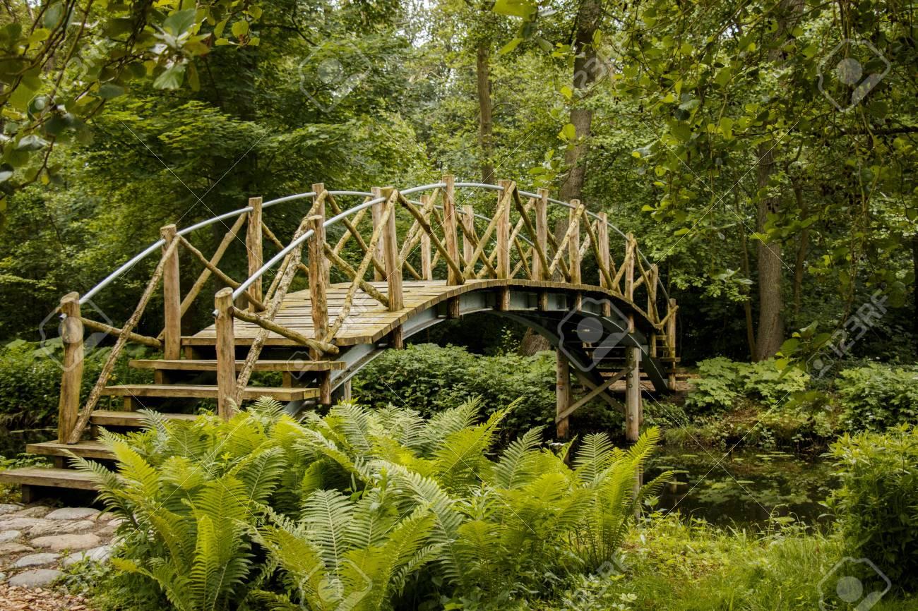 Romantic Garden Lizenzfreie Fotos Bilder Und Stock Fotografie