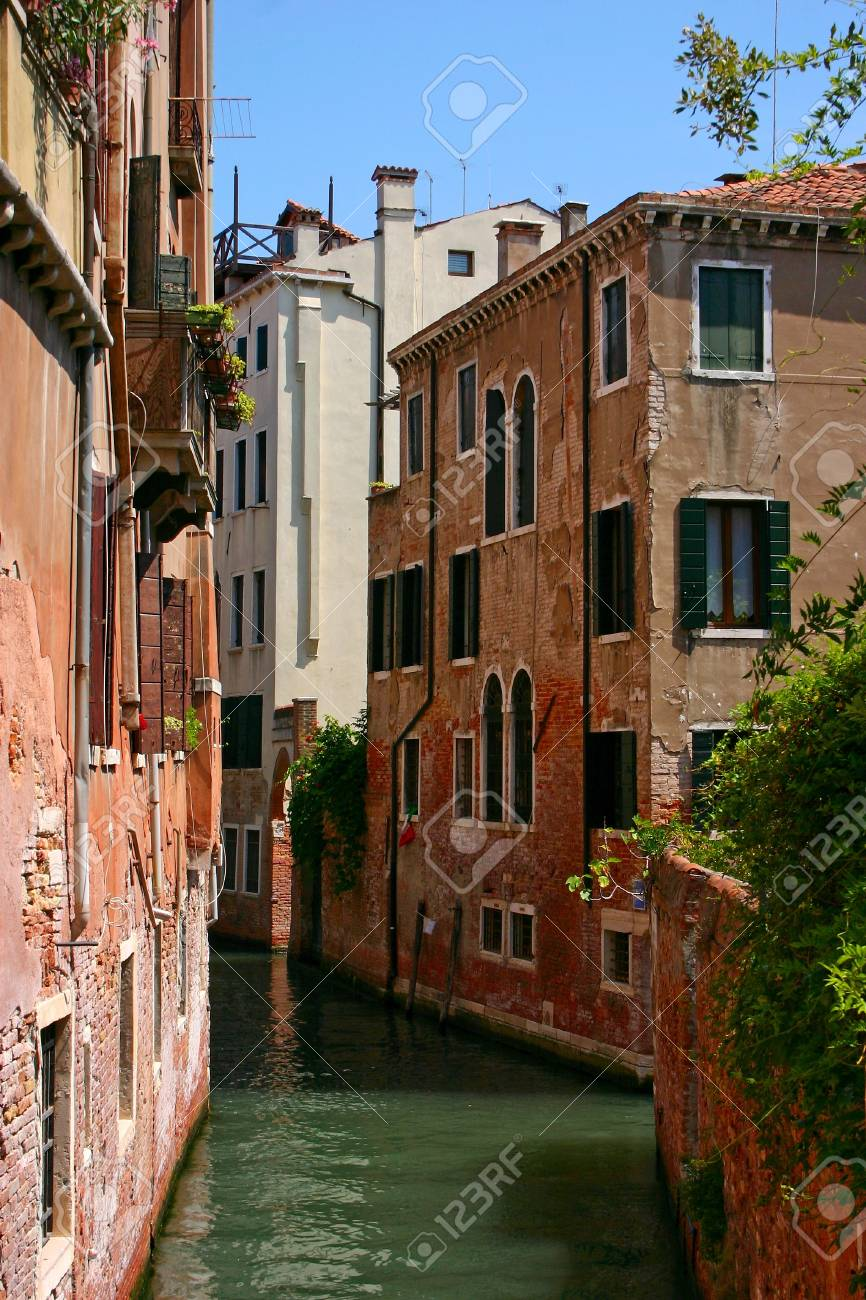 Small canal in the beautiful and romantic Venice Stock Photo - 11967009