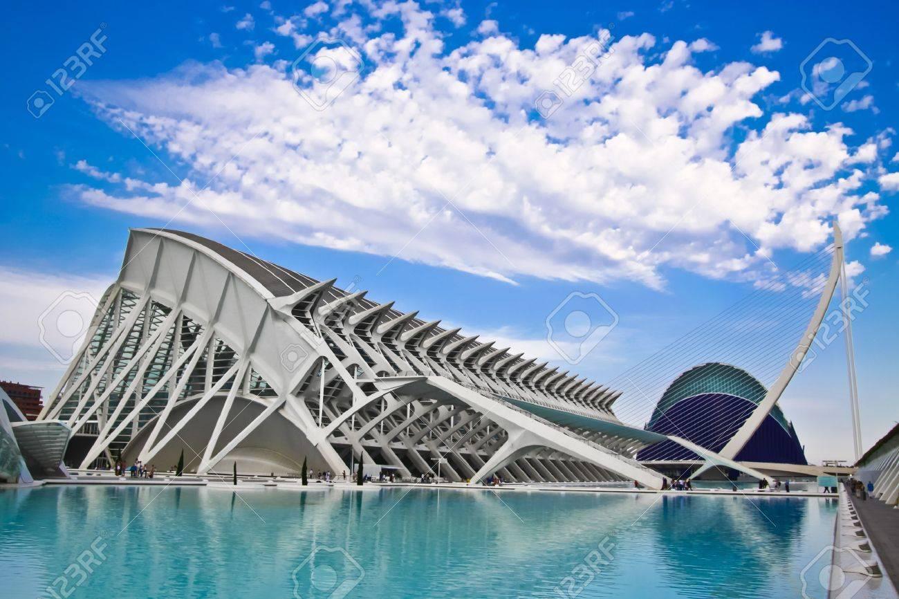 Valencia's City of Arts and Science Museum (Ciudad de las Artes y de las Ciencias) - 9253691
