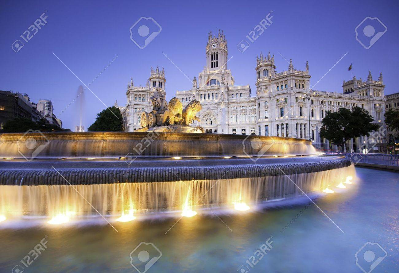 Plaza de la Cibeles (Cybele's Square) - Central Post Office (Palacio de Comunicaciones), Madrid, Spain. Stock Photo - 9829399