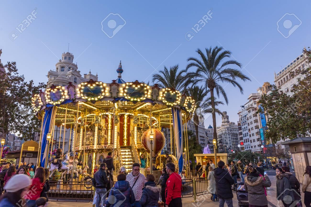 Valencia, Spanien - 16. Dezember 2017: Leute, Die Spaß Im ...