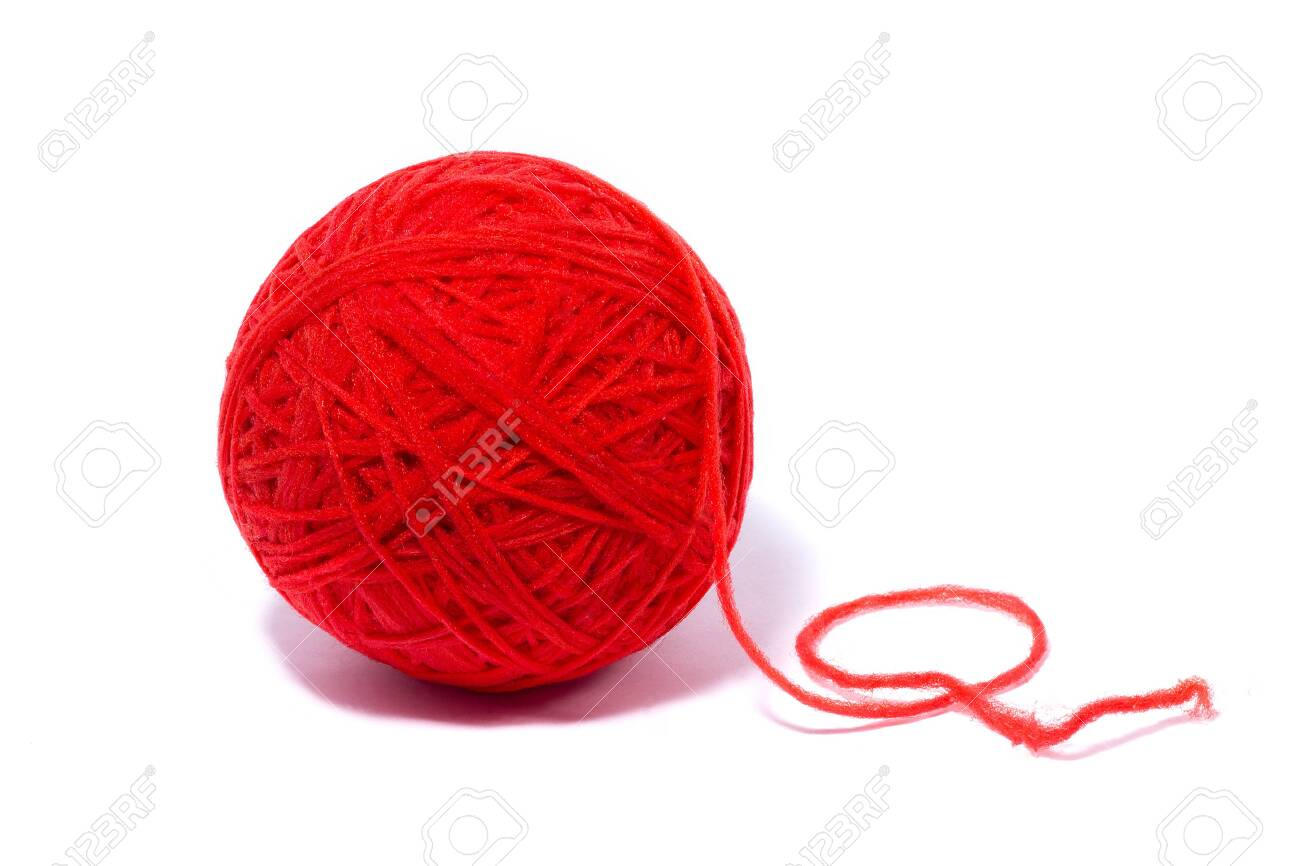 red ball of yarn for knitting, isolate, homemade crafts - 119782598