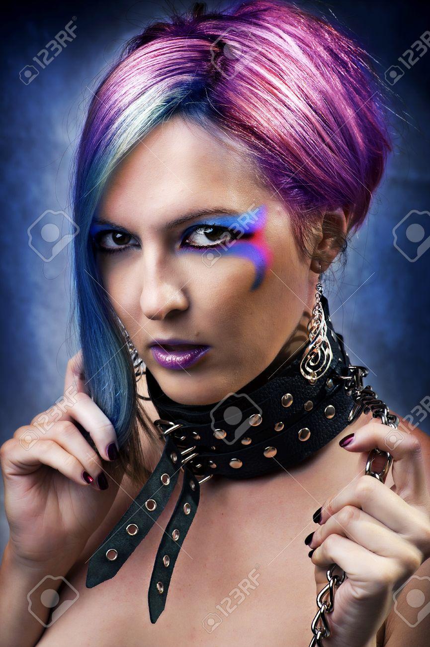 Fashion Underground Punk-Look. Porträt Der Jungen Frau Mit