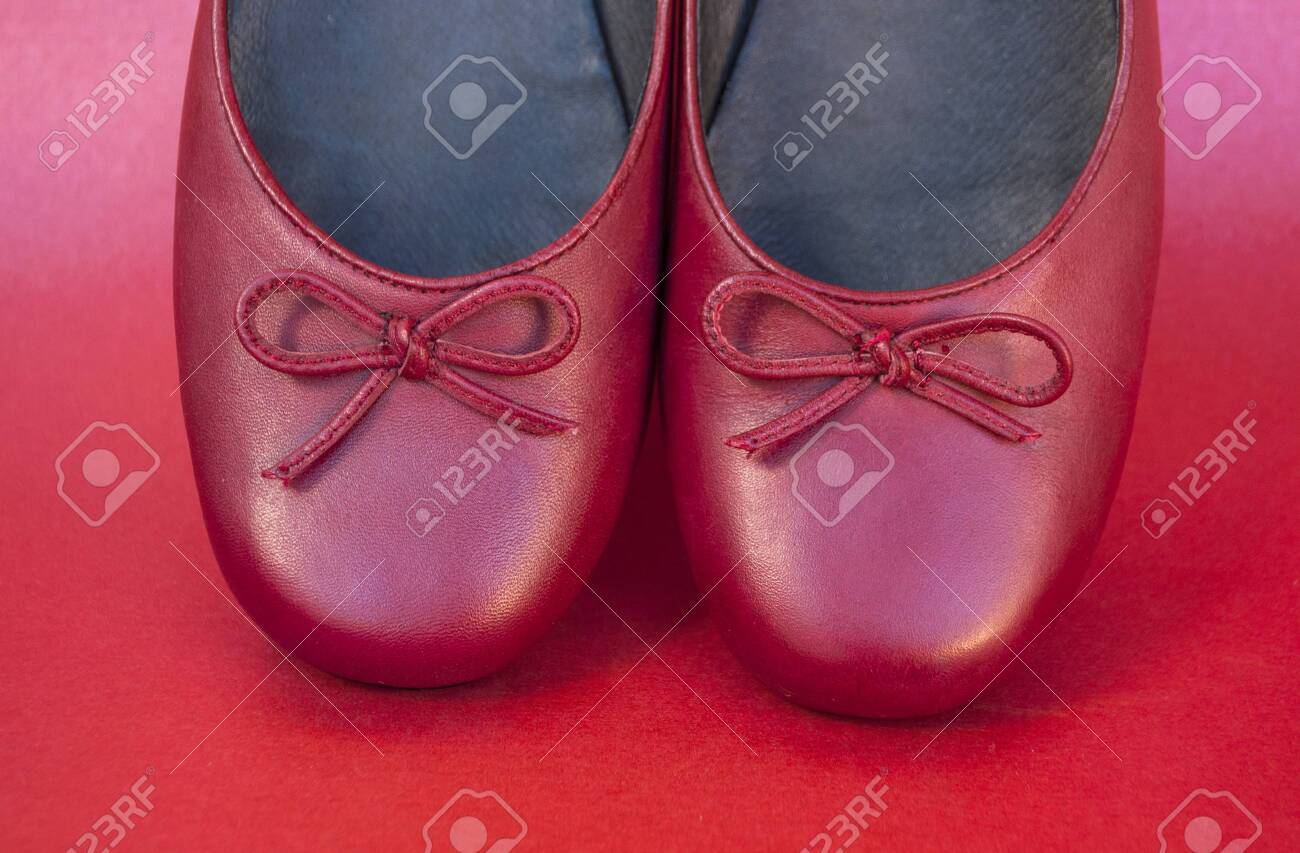 Stylish Female Flat Shoes In Dark Red