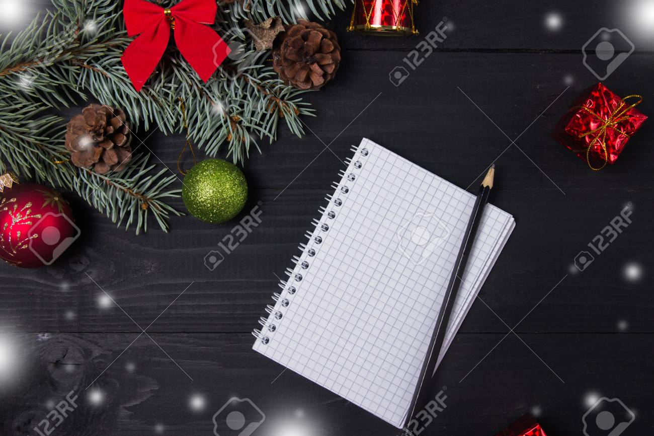 Christmas Gifts Shopping Planning. Make A Shopping List For ...